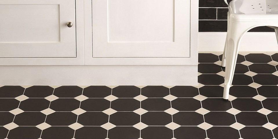 kithcen-floor-tiles-blackandwhite