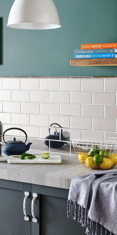 kitchen-wall-tile-mirror